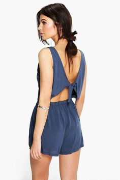 boohoo Helen Tie Back Relaxed Fit Playsuit