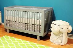 Adjustable crib skirt tutorial. Baby Nursery Update 064 - crop by don{thao} photography, via Flickr