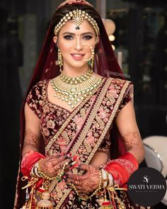 23 Ideas north indian bridal makeup desi wedding for 2019 Indian Bridal Photos, Indian Bridal Outfits, Indian Bridal Makeup, Indian Bridal Fashion, Indian Bridal Wear, Indian Dresses, Bridal Dresses, Wedding Makeup, Designer Bridal Lehenga