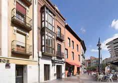 Fotografías para Crolec, de la rehabilitación de un inmueble en la Plaza de España nº3 de Valladolid. Plaza, Street View, Pictures