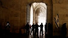 Meurtre de deux colons: Israël interdit l'accès des Palestiniens à la Vieille ville de Jérusalem Check more at http://info.webissimo.biz/meurtre-de-deux-colons-israel-interdit-lacces-des-palestiniens-a-la-vieille-ville-de-jerusalem/