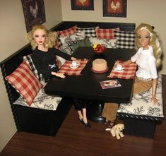 Incredible 1:6 scale handmade furniture and accessories for Barbie and her friends, by Abigail's Joy. Click to see pic's of her amazing rooms!