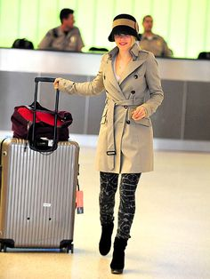Oh, Rachel McAdams you are becoming one of my favorite style icons. You mix edgy, classic, and vintage so well and all while traveling.