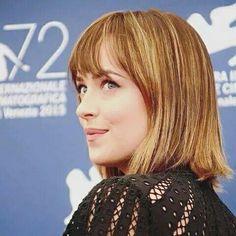 Dakota hoje, 04/09/15 em conferência para imprensa do filme Black Mass com Johnny Deep