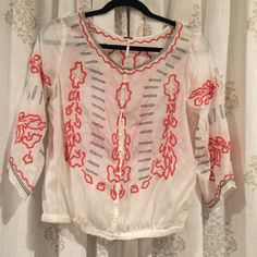 Free People peasant top Like new, only wore once. Free People Tops Button Down Shirts