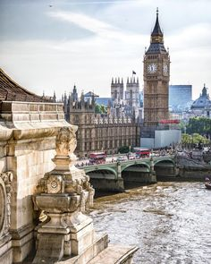 Looking at Westminster Bridge, the Thames and Big Ben - London, UK England UK United Kingdom Travel Destinations Honeymoon Backpack Backpacking Vacation Big Ben London, Old London, London City, Westminster Bridge, Westminster Abbey, London United Kingdom, London Places, London Calling, England Uk