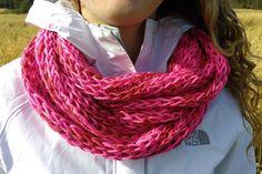 Foulard infini rose par GTricots sur Etsy