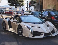 The Lamborghini Huracan was debuted at the 2014 Geneva Motor Show and went into production in the same year. The car Lamborghini's replacement to the Gallardo. Lamborghini Veneno, Best Lamborghini, Lamborghini Roadster, Custom Lamborghini, Super Sport Cars, Sweet Cars, Car Photos, Amazing Cars, Awesome