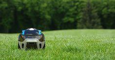The Ultimate Grass Cutter - Kobi Lawn Robot Gadgets And Gizmos, Cool Gadgets, Lawn Mower Snow Plow, Build A Robot, Autonomous Robots, Grass Cutter, House Chores, Cool Technology, Newest Technology