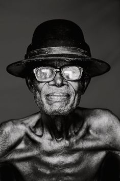 Older Man - The Congo - By David Van Reybrouck. Black And White Portraits, Black White Photos, Black And White Photography, We Are The World, People Around The World, Photo Portrait, Portrait Photography, Eric Lafforgue, Old Faces