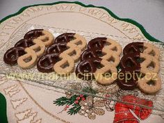 Skořicové preclíčky Czech Recipes, Waffles, Cookies, Breakfast, Desserts, Christmas, Food, Crack Crackers, Morning Coffee