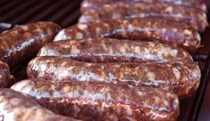 A basic venison sausage recipe. How to make venison sausages at home. This recipe uses garlic and bay leaves, and can be smoked or grilled. Venison Sausage Recipes, Homemade Sausage Recipes, Jerky Recipes, Grilling Recipes, Cooking Recipes, Venison Brats Recipe, Smoker Recipes, Dried Sausage Recipe, Deer