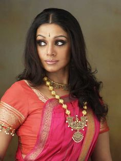 shobana-chandrakumar-indian-film-actress-bharatanatyam-dancer-7