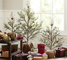 CASA TRES CHIC: STARTING TO THINK OF CHRISTMAS