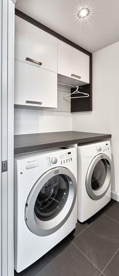 Coup de cœur quant à l'organisation des armoires au dessus de laveuse/sécheuse