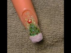 Google Image Result for http://blondesearch.ru/img/d9/d95/Acrylic_Nails_Tutorial_christmas_tree.jpg