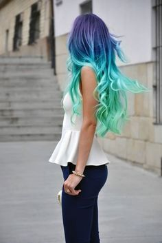 So....if I had unnaturally colored hair, I'd want it to look like this.  Kind of cool.