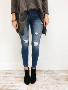 Gwyneth Distressed Skinnies | ROOLEE