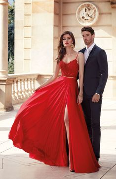 Red Silk Prom Dress, Grey Prom Dress, Prom Dress Stores, Prom Party Dresses, Formal Dresses, Evening Dresses, Prom Picture Poses, Prom Poses, Wedding Gown Sizes