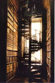 Trinity College Library, Dublin beautiful spiral staircase, want one in my dream home Beautiful Library, Dream Library, Belle Library, Future Library, Beautiful Space, College Library, Dublin Library, Home Libraries, Stairway To Heaven