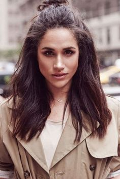 This is why Trump Called Meghan Markle 'Nasty' Ahead Of UK Visit Donald Trump has expressed shock at comments Meghan Markle made about him during his 2016 Presidential campaign. The US President branded. Estilo Meghan Markle, Meghan Markle Style, Princess Meghan, Prince Harry And Megan, Winter Hairstyles, Pixies, Mode Style, Hair Day, Hair Inspiration