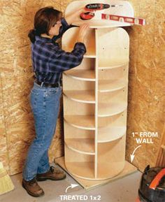 instructions for making lazy susan storage ... would be great for shoes, or tall closets...  I want one (or 2) in my bedroom closet if new heater takes up as much room as old one.