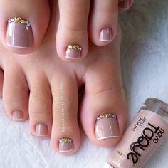 Pretty Toe Nails, Cute Toe Nails, Dope Nails, Pretty Toes, Gorgeous Nails, My Nails, Fall Toe Nails, Pedicure Designs, Toe Designs