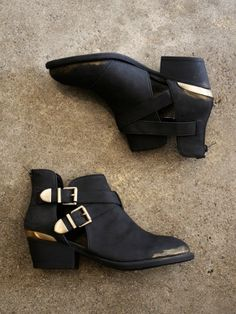 LUCY Chunky Block Heel Biker Style Chelsea Ankle Boots Black ...