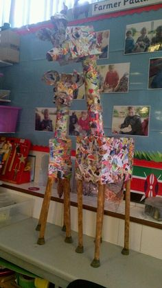 Junk modeling and paper mache. African Crafts, African Art, Handas Surprise, Junk Modelling, Giraffes Cant Dance, Art For Kids, Crafts For Kids, Dear Zoo, Jungle Animals