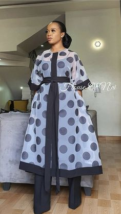 Latest African Fashion Dresses, African Dresses For Women, African Print Fashion, Africa Fashion, African Attire, Classy Dress, Classy Outfits, Chic Outfits, Fashion Outfits