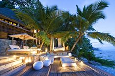 Outdoor deck -like the various levels and seating Trees Beautiful (Backyard Patio Step) Outdoor Areas, Outdoor Rooms, Outdoor Living, Outdoor Decor, Outdoor Lounge, Outdoor Seating, Outdoor Bathrooms, Beautiful Homes, Beautiful Places