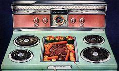 Vintage Kitchen Appliances, Home Appliances, Retro Kitchens, 1950s Kitchen, Pink Kitchens, Colorful Kitchens, Kitsch, Vintage Kitchen, Retro Vintage