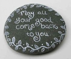 Rock sayings - 35 Awesome Painted Rocks Quotes Design Ideas – Rock sayings Pebble Painting, Pebble Art, Stone Painting, Rock Sayings, Rock Quotes, Rock Painting Ideas Easy, Rock Painting Designs, Stone Crafts, Rock Crafts