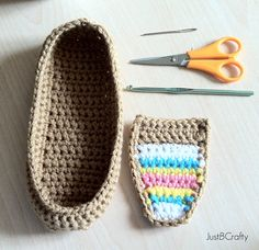 Good morning, I hope you are having an awesome Wednesday so far! I haven't had a post in a little while because I have been very busy crocheting/tweaking these adorable tribal moccasins, plus work. Crochet Sole, Crochet Slipper Pattern, Crochet Sandals, Crochet Baby Shoes, Crochet Slippers, Love Crochet, Easy Crochet, Crochet Clothes, Knit Crochet