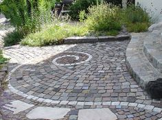 Natural stone fascination Natural stones Stones Paving stones - All For Garden Stone Walkway, Paving Stones, Garden Steps, Garden Paths, Love Garden, Dream Garden, Landscape Design, Garden Design, Garden Floor