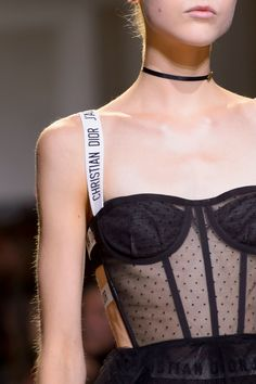 Christian Dior, spring 2017 - Christian Dior, spring 2017 - the wholesale . - Christian Dior, Spring 2017 – Christian Dior, Spring 2017 – The Greatest Details of the Paris R - Fashion Models, Image Fashion, Dior Fashion, New York Fashion, Fashion Details, Couture Fashion, Runway Fashion, Trendy Fashion, Spring Fashion