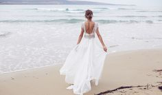 The dress ought to be about 4-inches over the ankle, though there might be a difference of a couple centimeters, based on the amount of your legs. The beach wedding dress has to be comfortable.