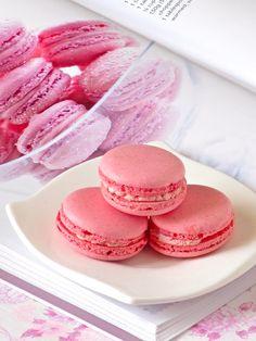 Pretty Pink Raspberry Macarons