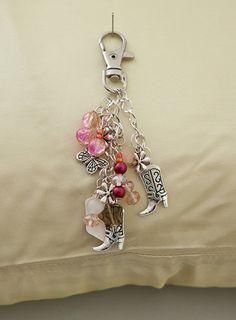 Cowboy Boots Pink Handbag Purse Charm Zipper Pull - Tibetan Silver Charms by milagros Boot Jewelry, Charm Jewelry, Jewelry Crafts, Beaded Jewelry, Handmade Keychains, Handmade Jewelry, Beaded Purses, Jewelery, Creations