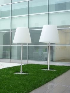 Floor lamp or pendant lamp for outdoor applications. Base in iron and structure in grey coated aluminium. Diffuser in white translucent polyethylene. Supplied with 5 metres wired cable and plug-in protection class Also available as a hanging pendant lamp. Outdoor Floor Lamps, Arc Floor Lamps, Modern Floor Lamps, Outdoor Flooring, Outdoor Lighting, Arc Lamp, Shops, Italian Lighting, Light Architecture