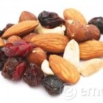 Clean Eating While Traveling: Snacks for the Car