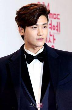 Park Hyung Shik Park Hyung Shik, Korean Actors, Korean Dramas, Hyung Sik, Seo Joon, My Prince, Asian Boys, Men Looks, Boyfriend Material