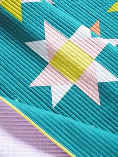 Starry Skies is a fat quarter friendly quilt pattern. I used Enchanted, the Kona Color of the Year, to make this modern block based star quilt. #starryskiesquilt #thencamejunepatterns #starquilt #modernquilt #fatquarterfriendly Quilting For Beginners, Quilting Tips, Quilting Tutorials, Machine Quilting, Quilting Designs, Beginner Quilting, Fat Quarter Projects, Straight Line Quilting, Modern Quilt Patterns