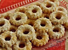Nejlepší recepty na Vánoční cukroví   NejRecept.cz Onion Rings, Bagel, Doughnut, Cookie Recipes, Sweets, Bread, Vegan, Cookies, Breakfast