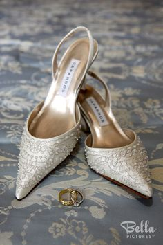 Beaded ivory wedding shoes #caparros