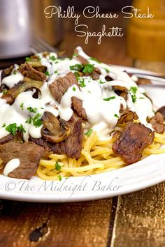 Got leftover roast beef? Here's the answer–Philly Cheese Steak, but on spaghetti and not a roll! I've wanted to make this recipe for a very long time…ever since I first (Roast Beef Recipes) Leftover Steak Recipes, Leftover Roast Beef, Sliced Roast Beef, Roast Beef Recipes, Leftovers Recipes, Tofu Recipes, Left Over Beef Roast, Healthy Recipes, Dinner Recipes