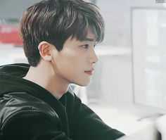 Park Hyung Sik as Park Sung-min Park Hyung Sik, Park Hae Jin, Strong Girls, Strong Women, Asian Actors, Korean Actors, Korean Men, Cute Korean, Do Bong Soon