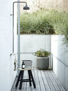 How to create the perfect contemporary garden room, with architectural plants, striking furniture and the right lighting. Outdoor Areas, Outdoor Rooms, Outdoor Living, Outdoor Decor, Outdoor Baths, Outdoor Bathrooms, Outdoor Showers, Contemporary Garden Rooms, Architectural Plants