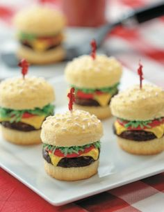 Cake of the Day: Cheeseburger Cupcakes from 'Nerdy Nummies'
