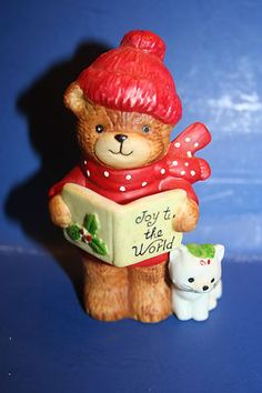 Vintage 1979 Enesco Lucy Rigg Lucy and Me Christmas Caroler Bear